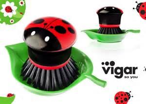 Vigar Brush Ladybug Cookfunky