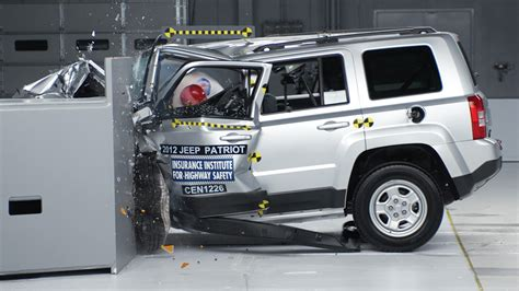 Jeep Patriot Crash Test Subaru Forester Aces Tough New Crash Test