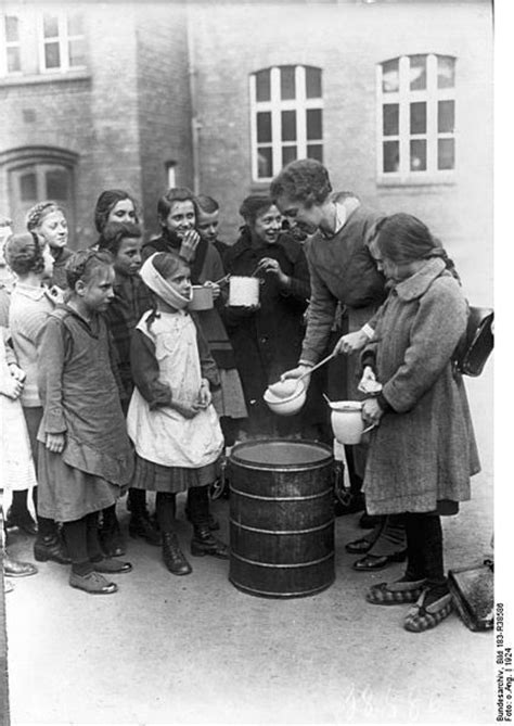 Soup Kitchen For The Poor by Soup Kitchen For Needy Children Germany 1920 S 1920s