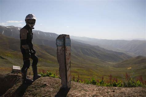 Cross Motorrad Auf Der Stra E by Overcross Mit Dem Motorrad Der Mongolei 252 Ber Die