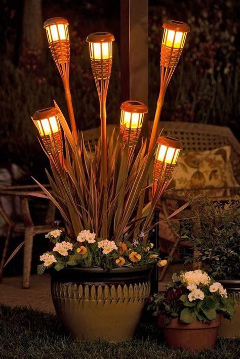 illuminare il giardino illuminare il giardino con fantasia ecco 21 esempi a cui