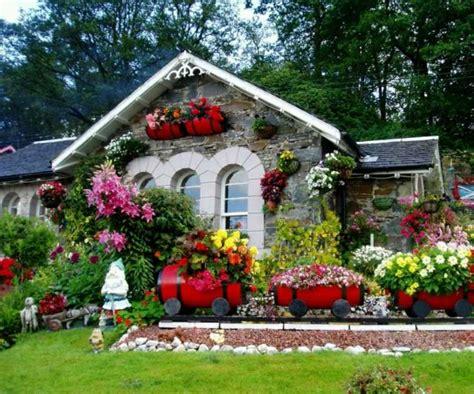 flower garden at home d 233 corer jardin avec des objets artistiques et originaux