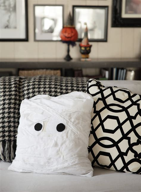 home made halloween decoration 21 easy to make diy halloween decorations style motivation