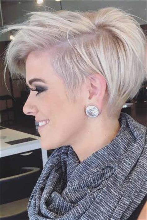 short bob hair cuts for 59 women with grey hair 25 best ideas about short thick hair on pinterest bobs