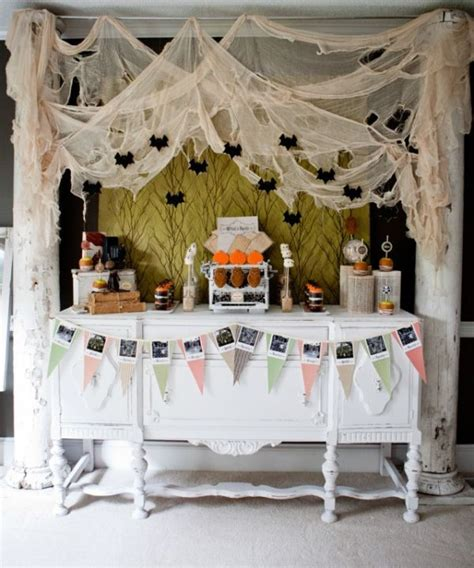 halloween party themes party themed d 233 cor ideas for halloween
