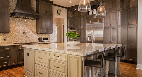 Kitchen Cabinets ? Modern VS Traditional