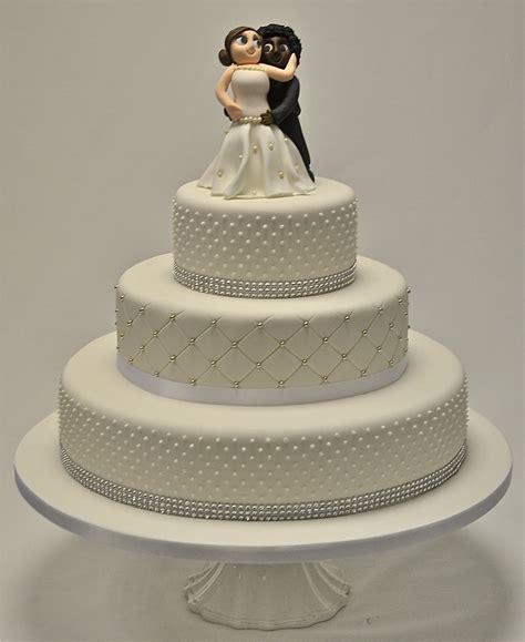 Robin 3 Tier Piped Wedding 3 Tier Piped Dots And Diamante Wedding Cake Wedding