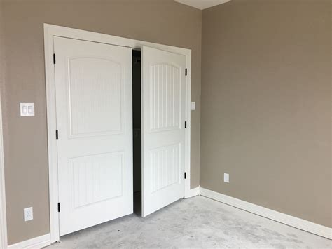 Sherwin Williams Vernici by Sherwin Williams Alabaster And Balanced Beige Paint