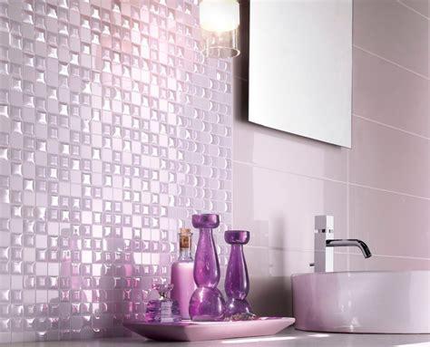keramik lantai kamar mandi warna ungu desain rumah minimalis terbaru