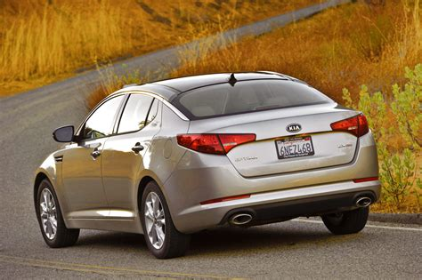 Kia Optima Standard 2011 Kia Optima Gaywheels