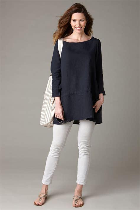 Blouse Tunic Putih Garis Abu Abu 10 inspirasi paduan tunik kemeja panjang dan legging