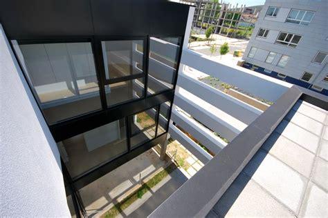 patio interior definicion a mu 237 241 a santiago aestudio arquitectos coru 241 a