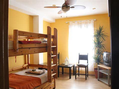 se alquila habitacion malaga habitaci 243 n para una chica estudiante en pleno centro