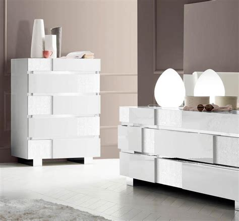 Italian Bedroom Furniture Modern Caprice White Modern Italian Bedroom Set N Contemporary Bedroom Modern Furniture
