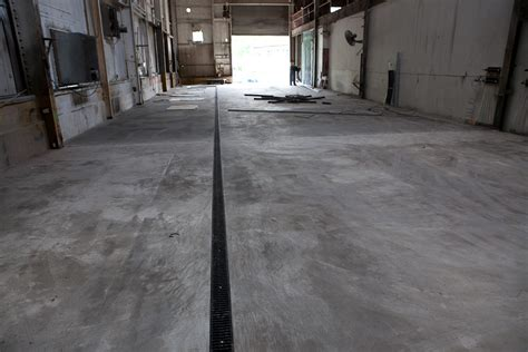 Poured Concrete Floors by Another Step Closer To Glass Production
