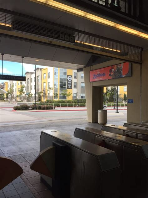 which bart stations have bathrooms south san francisco bart station 50 photos 52 reviews public transportation