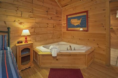 1 bedroom lodge with hot tub affordable 1 bedroom cabin rental in pigeon forge tn with
