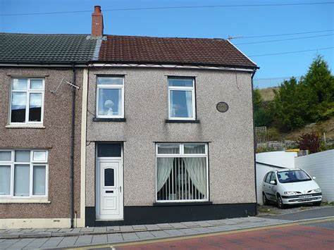 terraced house file end of terrace house road geograph org uk