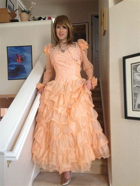 boy crossdress for prom i m so happy to be invited to the prom and i feel so