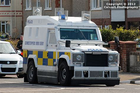 land rover psni psni armoured land rover pangolin tsg flickr photo