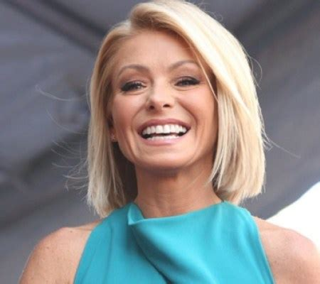 what is the net worth of linda ripa kelly ripa salary net worth height weight and age