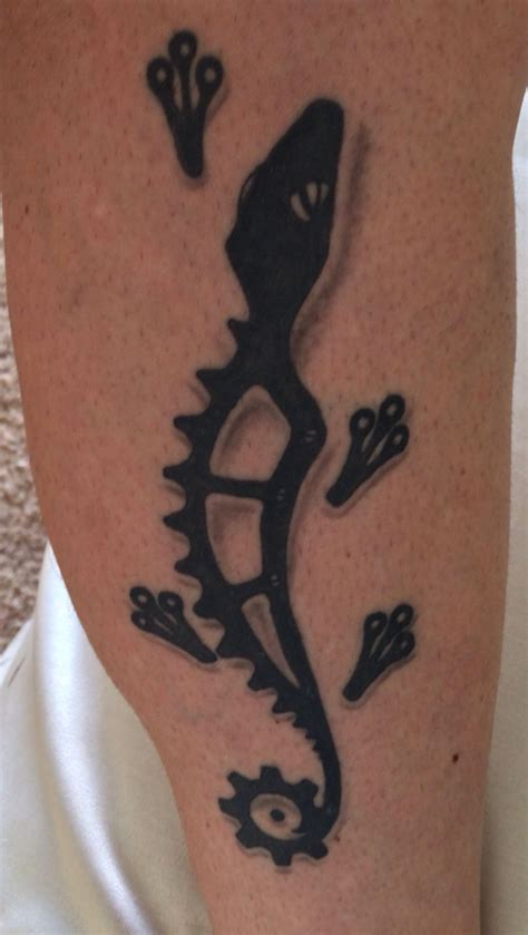 sprocket tattoo gecko bicycle sprocket tats