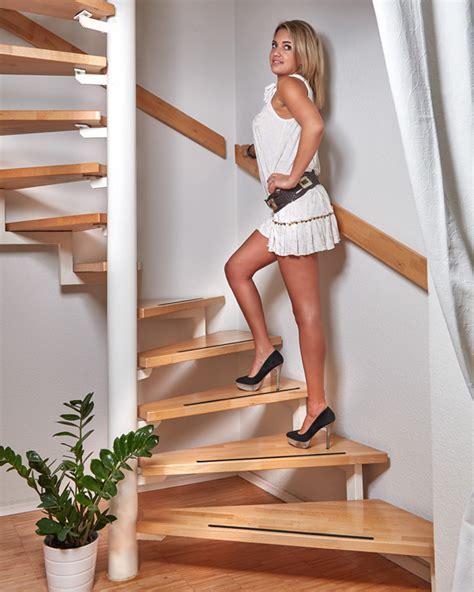 treppen anti rutsch anti rutsch streifen f 252 r treppen und stufen selbstklebend