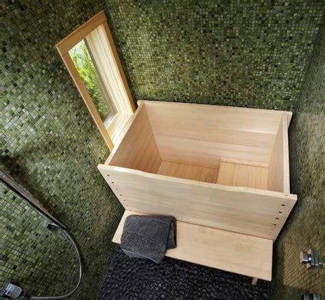baignoire en bois japonaise la maison traditionnelle japonaise nous ouvre ses portes