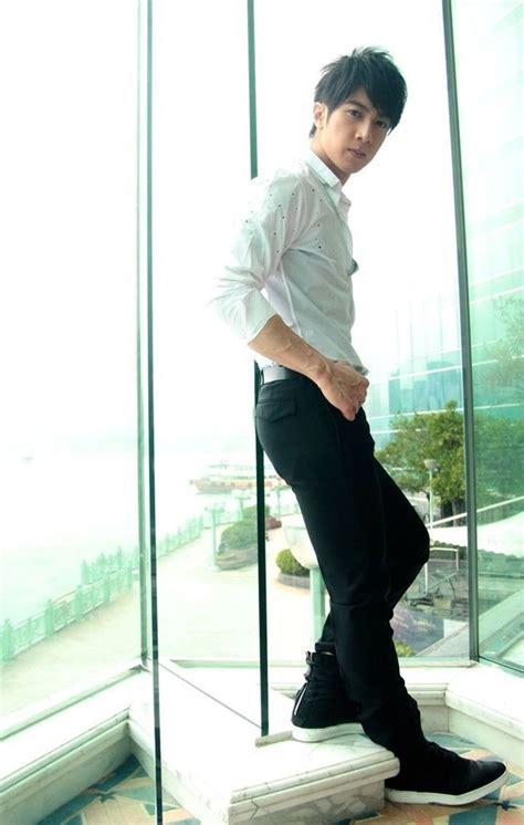 Lesti Blezer foto wu chun til trendy dengan gaya formal foto 8 dari 20