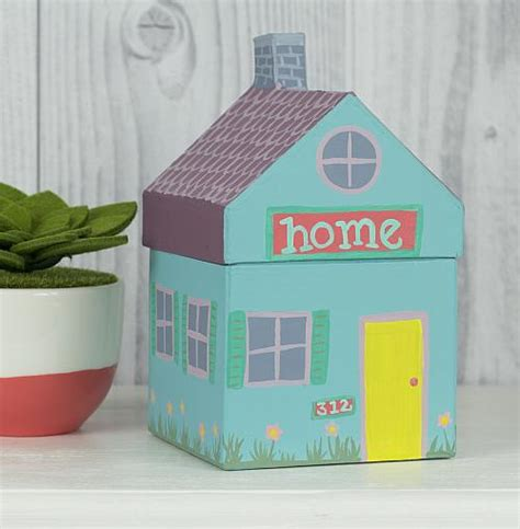 painted pastel house project by decoart