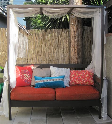 Diy Outdoor Daybed White Outdoor Daybed With Canopy Diy Projects