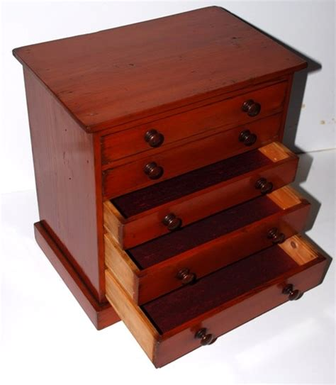 Miniature Chest Of Drawers by Antique Collectors Miniature Chest Of Drawers