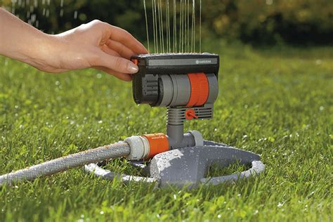 best lawn sprinklers best lawn sprinkler systems reviews 2018 buyer s guide