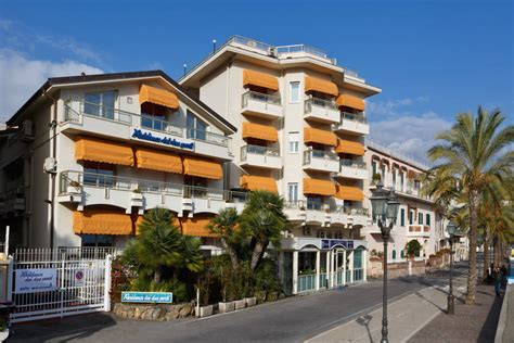 residence due porti sanremo liguria hotels images italy photo gallery