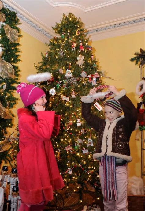 holiday vignettes from fairfield christmas tree festival