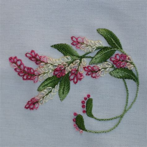 Handmade Embroidery - 1000 ideas about embroidery flowers on