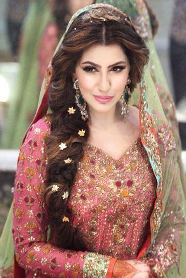 Indian bridal hairstyles in weddings. Top best most beautiful Indian wedding bridal hairstyles