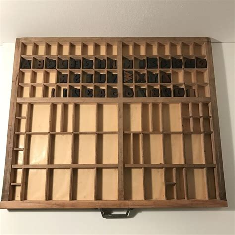 lade deco letterpres lade met houten karakters in d 233 co stijl