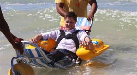 silla de ruedas anfibia ford contribuye al dise 241 o de una silla de ruedas anfibia