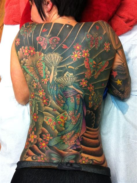 tattoo geisha back full back geisha girl tattoo tatts pinterest