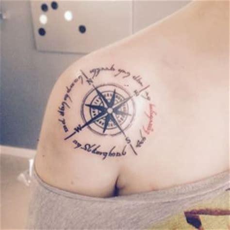 tatuaggi fiori e stelle immagini tatuaggi fiori e stelle tatuaggi immagini