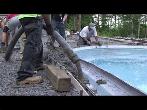 forming  pouring cantilevered concrete pool coping
