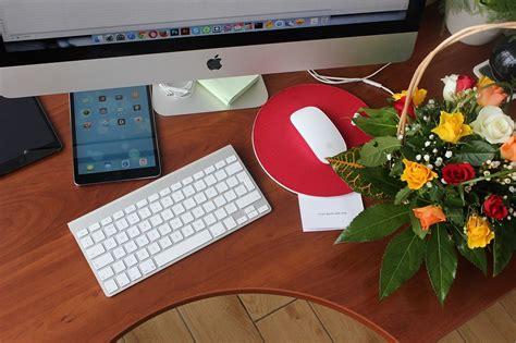 flowers desk 183 free photo on pixabay