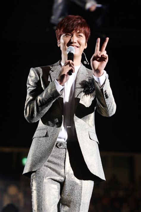 min ho new year gala min ho holds seoul encore concert and rehearses for