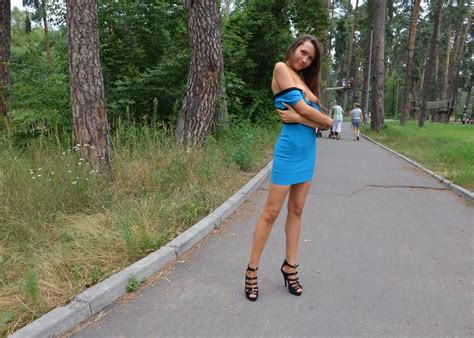 Women In Dresses Without Underclothes Photos | girl walking in a dress without panties in the park
