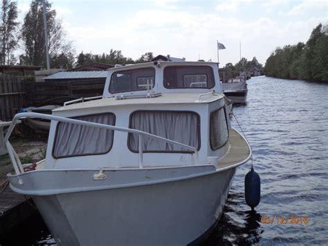 motorboot 8 meter stalen cascaruda motorboot met 8 meter met achterkajuit 1979