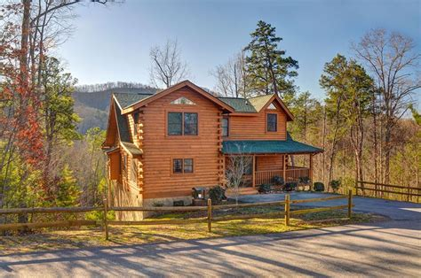 rent a cabin 9 cozy gatlinburg cabins for rent for your mountain