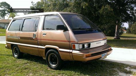 toyota van 1984 toyota van wagon le mini passenger van 3 door 2 0l