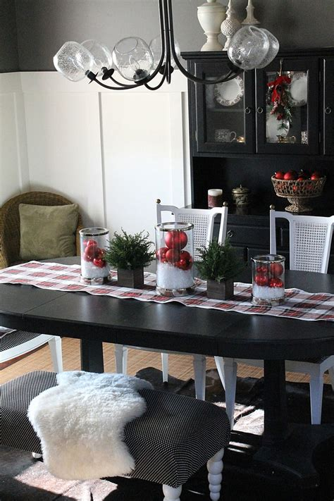 decorate dining room table for christmas 37 stunning dining room d 233 cor ideas digsdigs