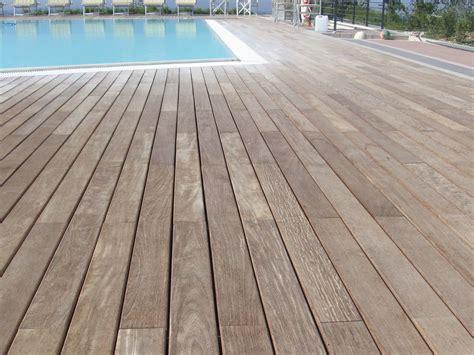 piastrelle bordo piscina pavimentazione bordo piscina pavimento bordo piscina